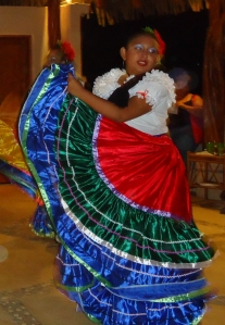 Grupo Folklorico Ceiba danced for us the other night.