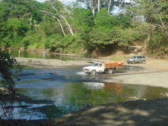 river crossing dry season in costa rica