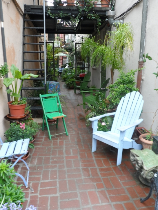 alley in savannah