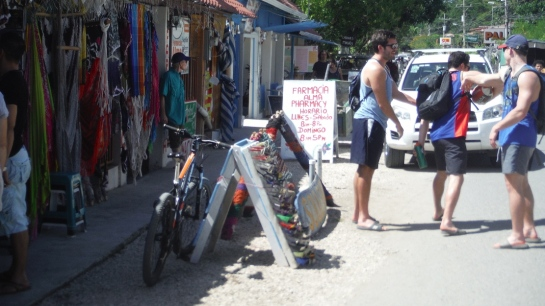 There's a long tradition here in Costa Rica of street vendors lining the streets.